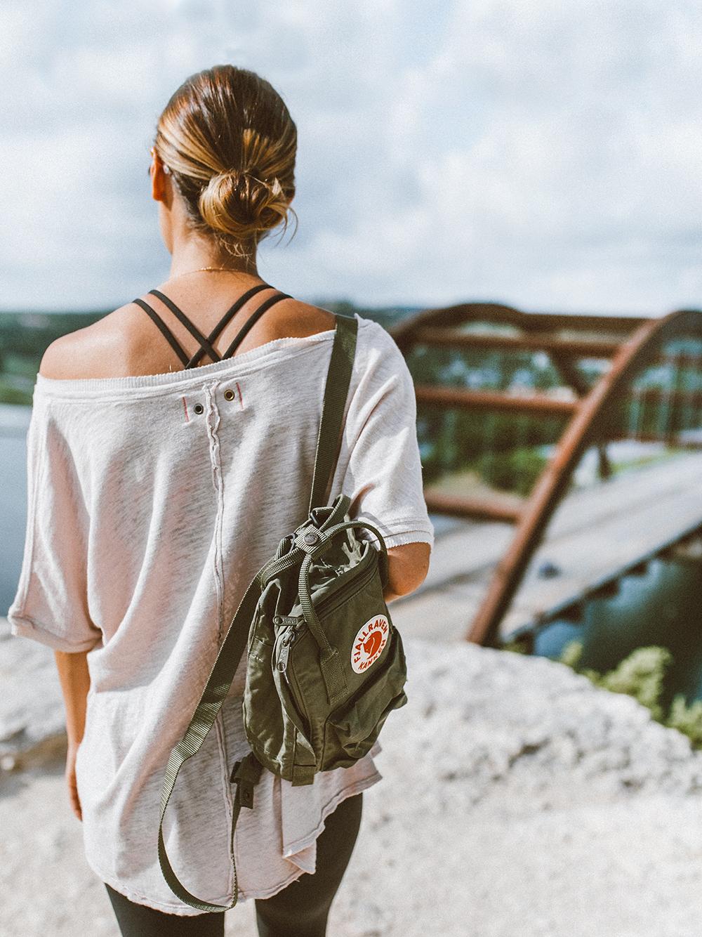 livvyland-blog-olivia-watson-backcountry-free-people-take-me-tee-fjallraven-kanken-mini-green-backpack-360-overlook-bridge-3