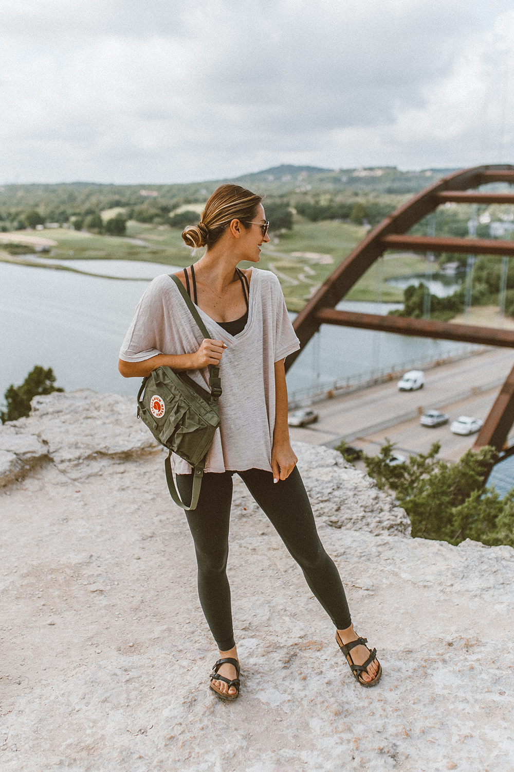 livvyland-blog-olivia-watson-backcountry-free-people-take-me-tee-fjallraven-kanken-mini-green-backpack-360-overlook-bridge-6