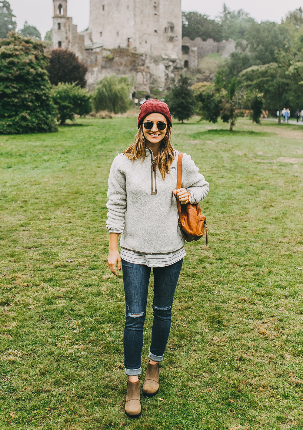 livvyland-blog-olivia-watson-austin-texas-fashion-lifestyle-travel-blogger-patagonia-retro-pile-fleece-pullover-backcountry-outfit-blarney-castle-cork-ireland-7