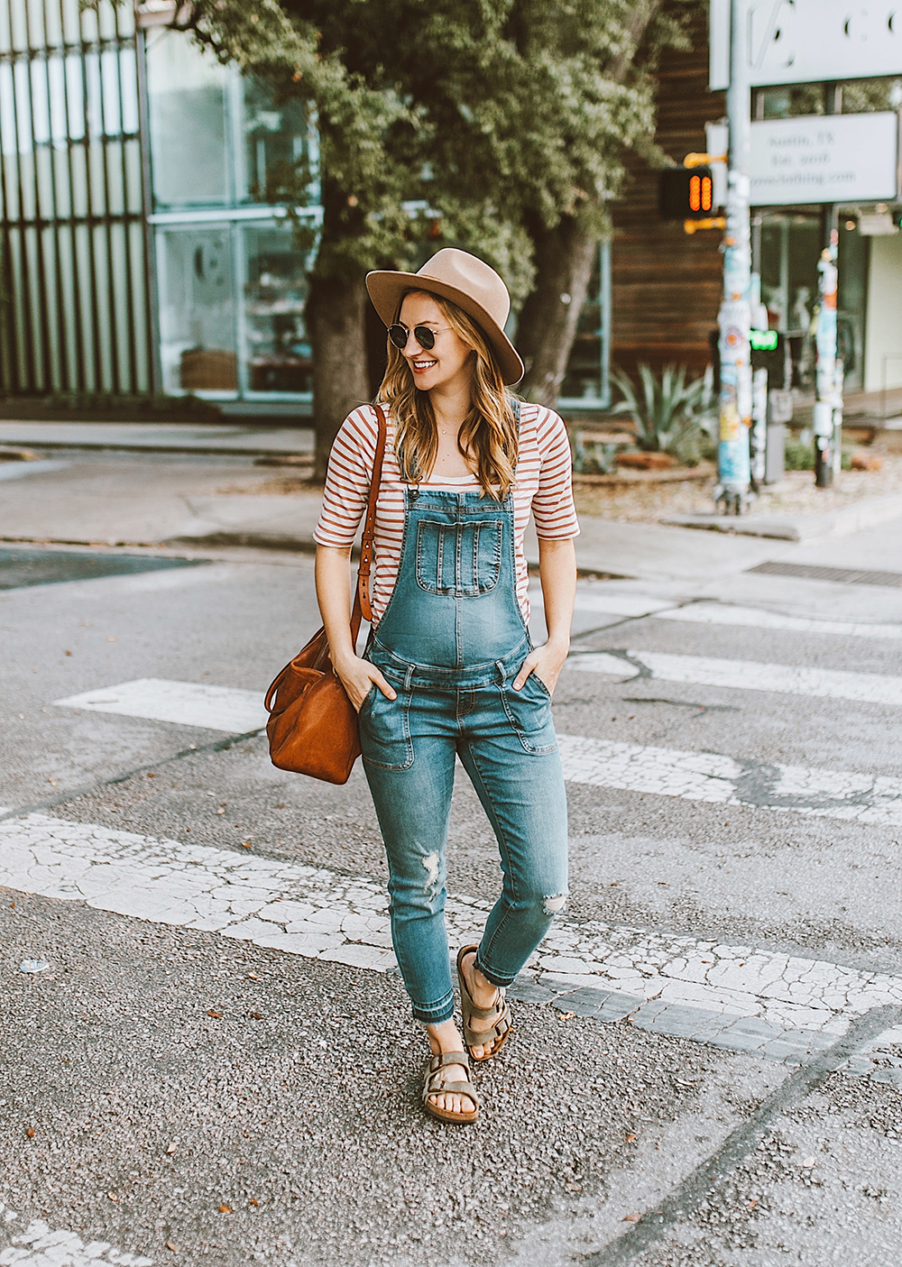 1276d7051761e Cute & Affordable Maternity Denim - LivvyLand | Austin Fashion and ...