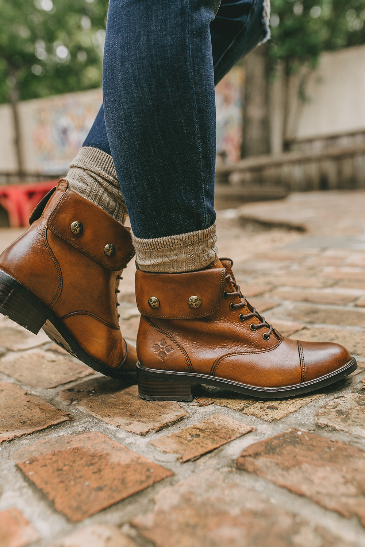 livvyland-blog-olivia-watson-austin-texas-fashion-style-blog-combat-boots-fall-outfit-inspiration-patricia-nash-7
