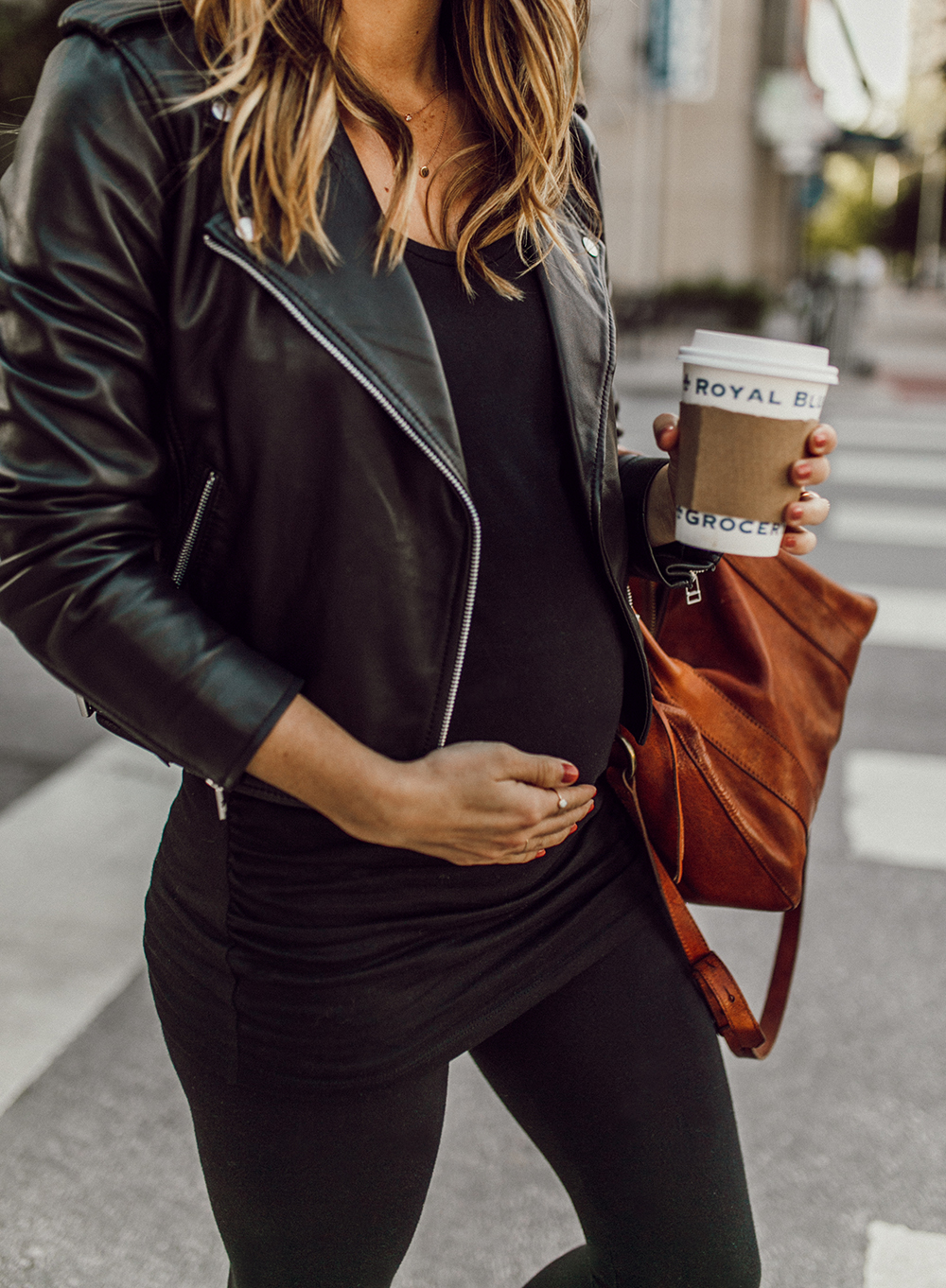 livvyland-blog-olivia-watson-austin-texas-fashion-style-blogger-all-black-athliesure-outfit-pregnant-maternity-sezane-ziggy-leather-jacket-2