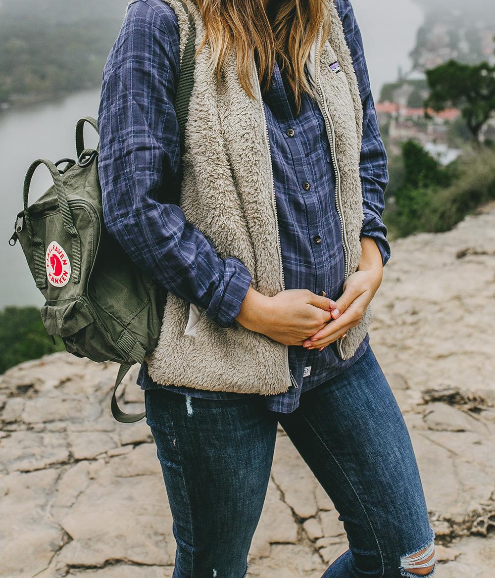 livvyland-blog-olivia-watson-austin-texas-lifestyle-blog-mount-bonnell-patagonia-los-gatos-vest-fjallraven-kanken-mini-backpack-deep-forest-green-hike-outfit-5