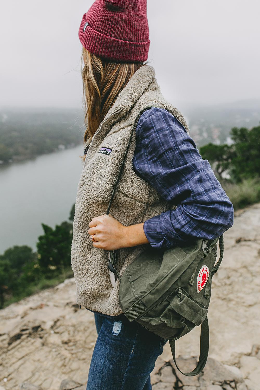 livvyland-blog-olivia-watson-austin-texas-lifestyle-blog-mount-bonnell-patagonia-los-gatos-vest-fjallraven-kanken-mini-backpack-deep-forest-green-hike-outfit-7