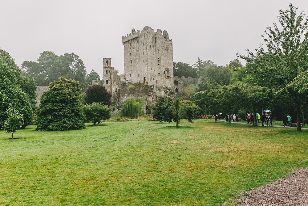 livvyland-blog-olivia-watson-austin-texas-travel-lifestyle-blogger-what-do-see-ireland-cork-blarney-castle-5