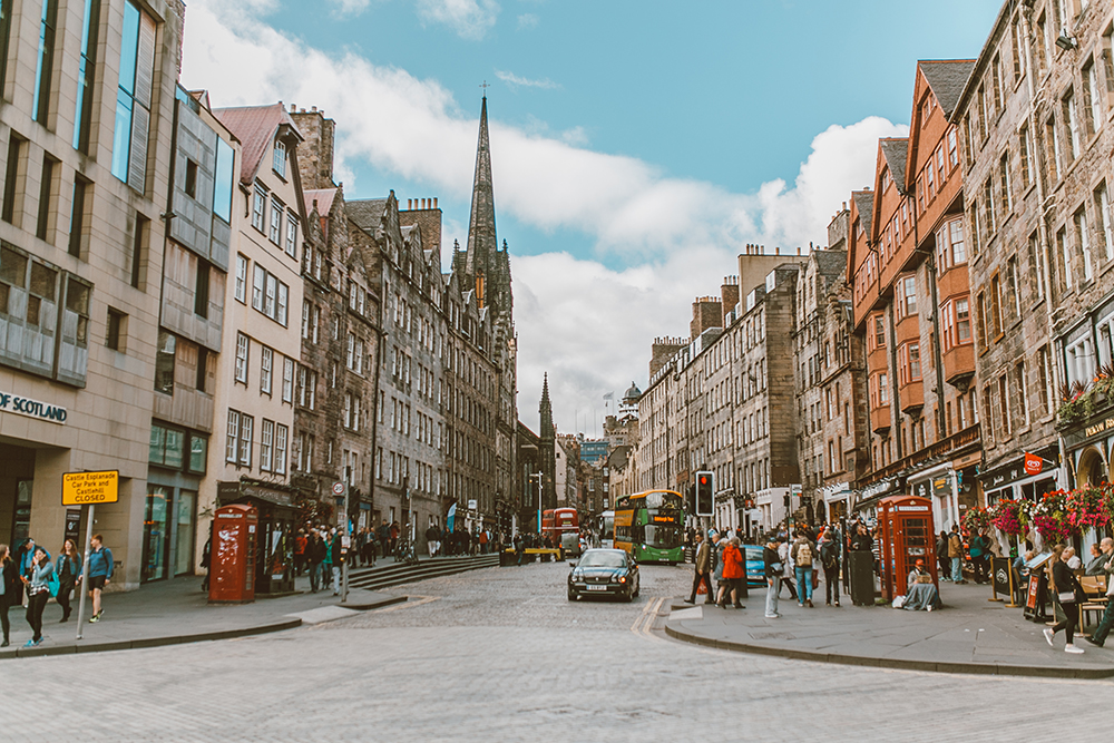 livvyland-blog-olivia-watson-things-to-do-edinburgh-scotland-day-trip-royal-mile-2
