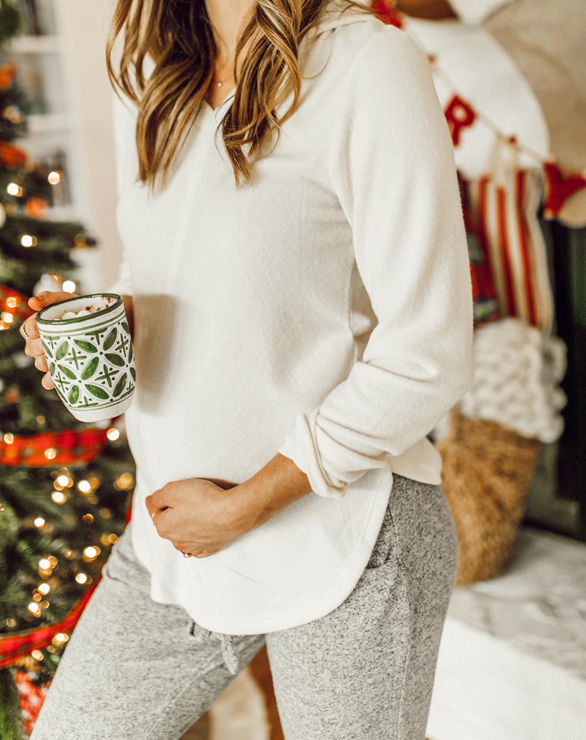 livvyland-blog-olivia-watson-austin-texas-fashion-blogger-cozy-christmas-gift-idea-bobeau-loungewear-6