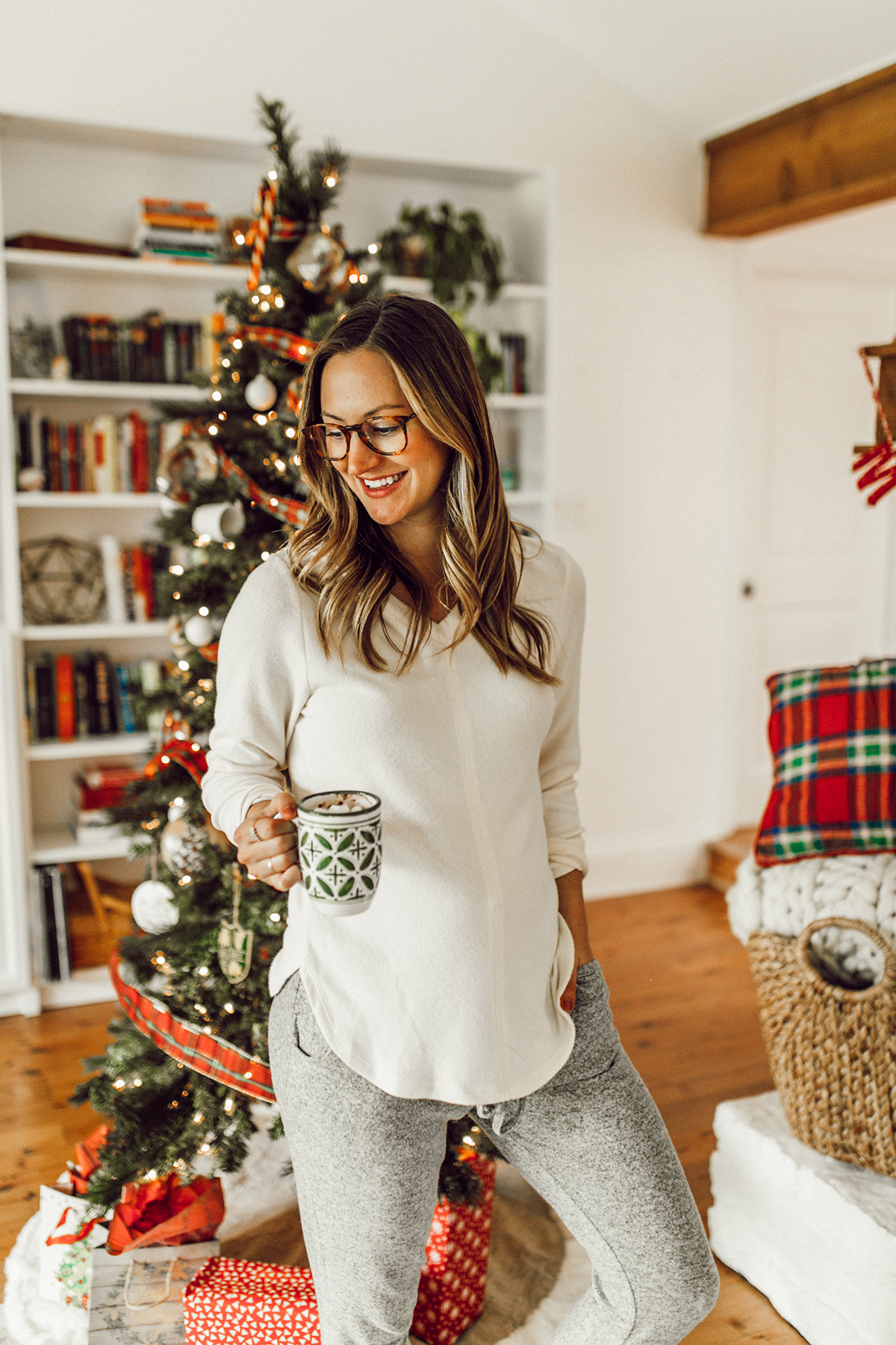 livvyland-blog-olivia-watson-austin-texas-fashion-blogger-cozy-christmas-gift-idea-bobeau-loungewear-7