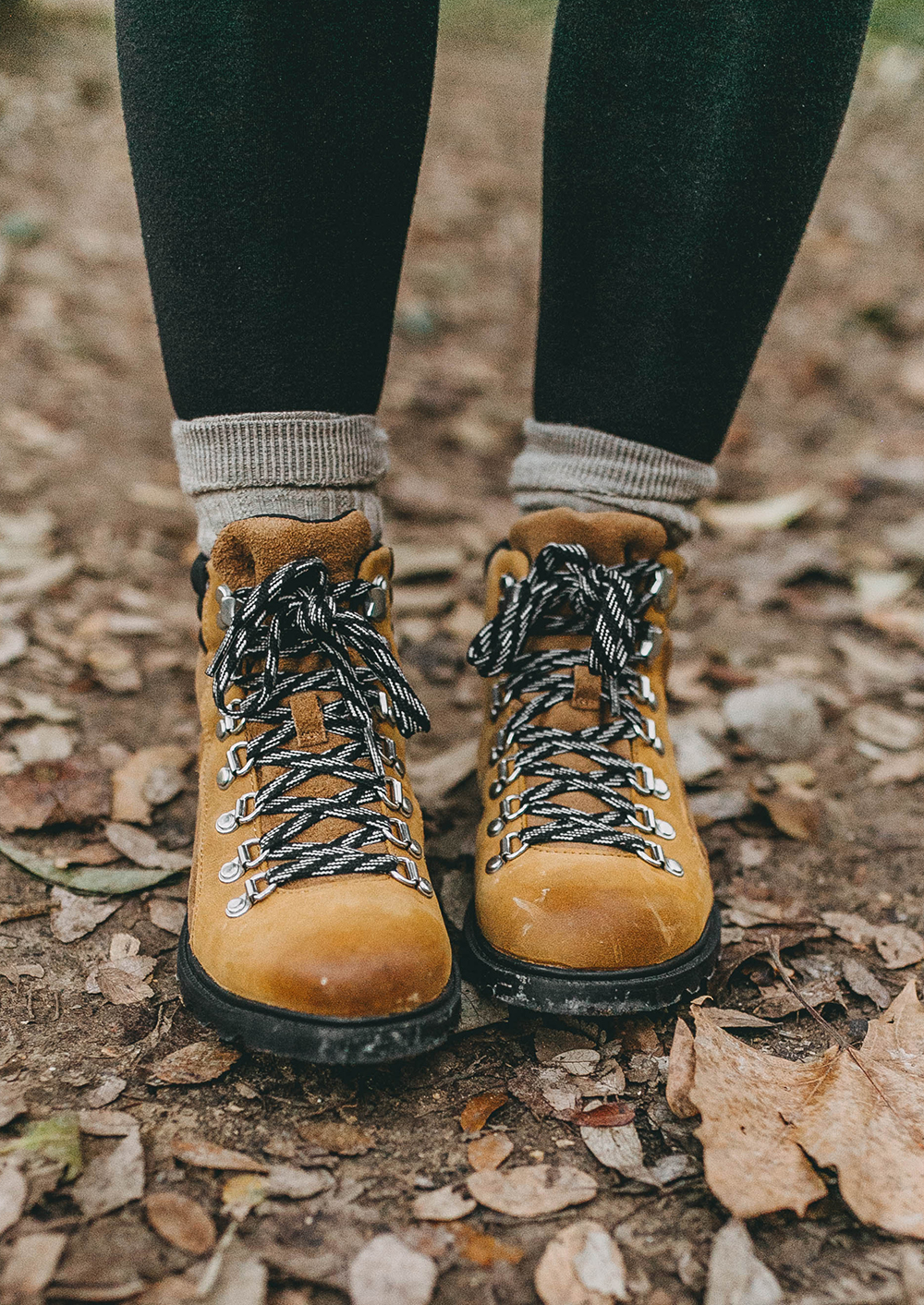 livvyland-blog-olivia-watson-austin-texas-fashion-lifestyle-blogger-greenbelt-fall-patagonia-radalie-parka-sorel-ainsley-boots-hiking-outfit-backcountry-10