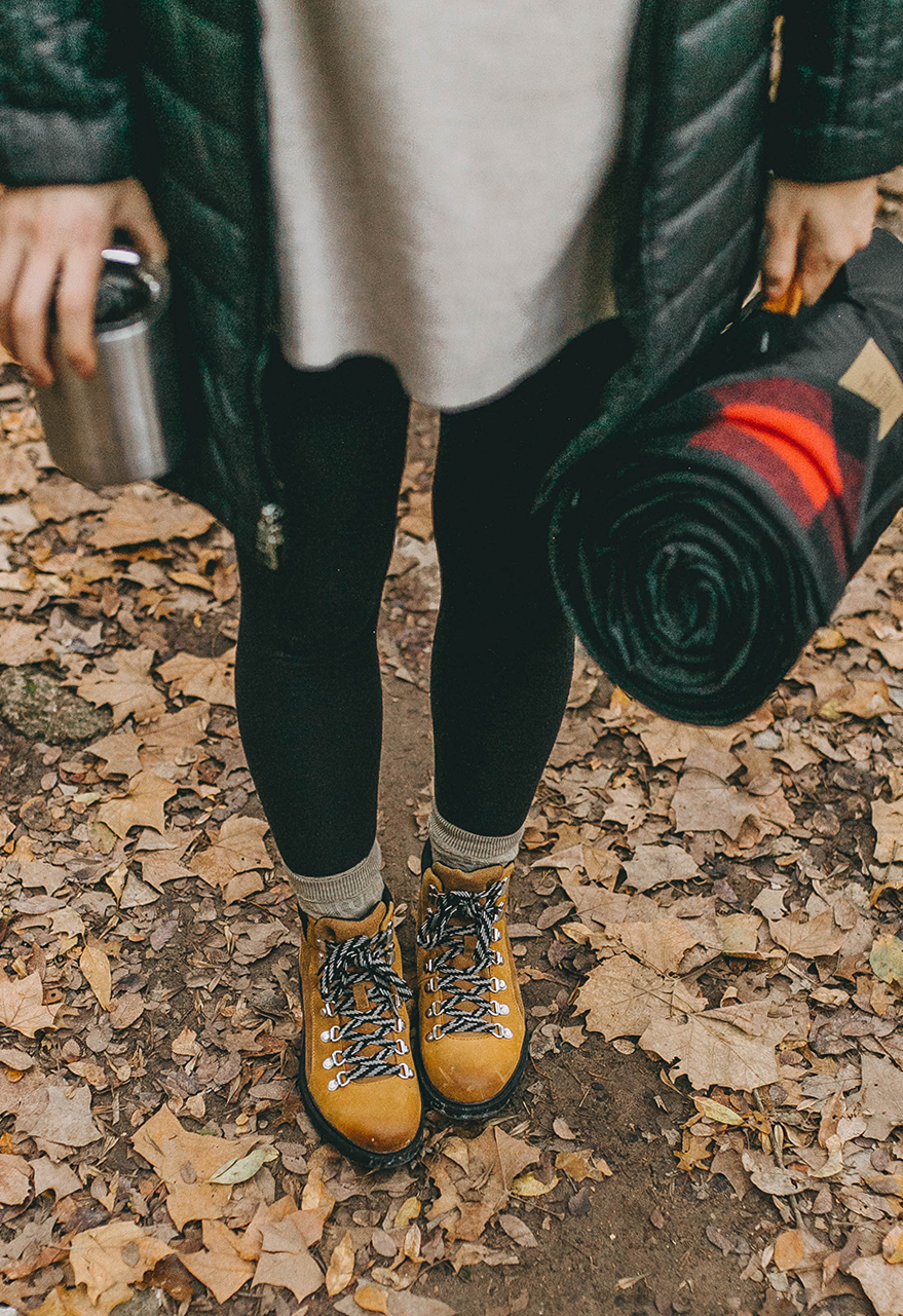 livvyland-blog-olivia-watson-austin-texas-fashion-lifestyle-blogger-greenbelt-fall-patagonia-radalie-parka-sorel-ainsley-boots-hiking-outfit-backcountry-6