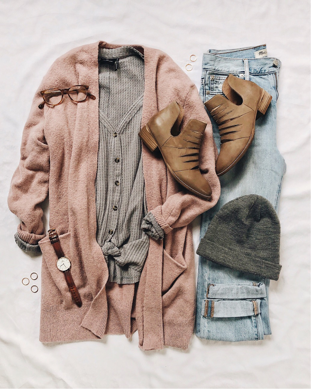livvyland-blog-olivia-watson-best-cyber-monday-sales-cozy-winter-fall-outfit