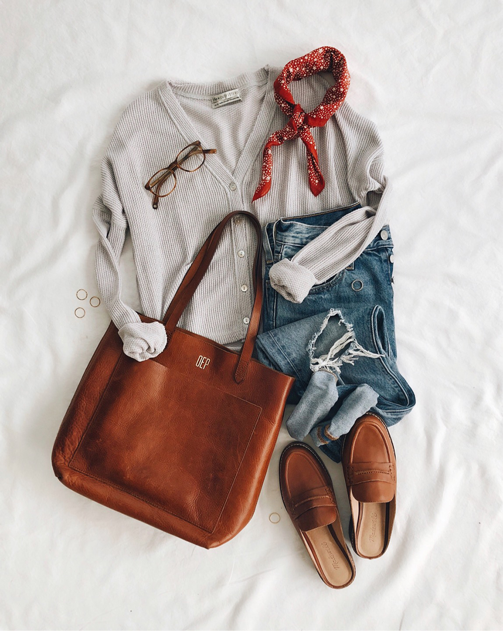 livvyland-blog-olivia-watson-best-cyber-monday-sales-madewell-transport-tote-medium-monogram