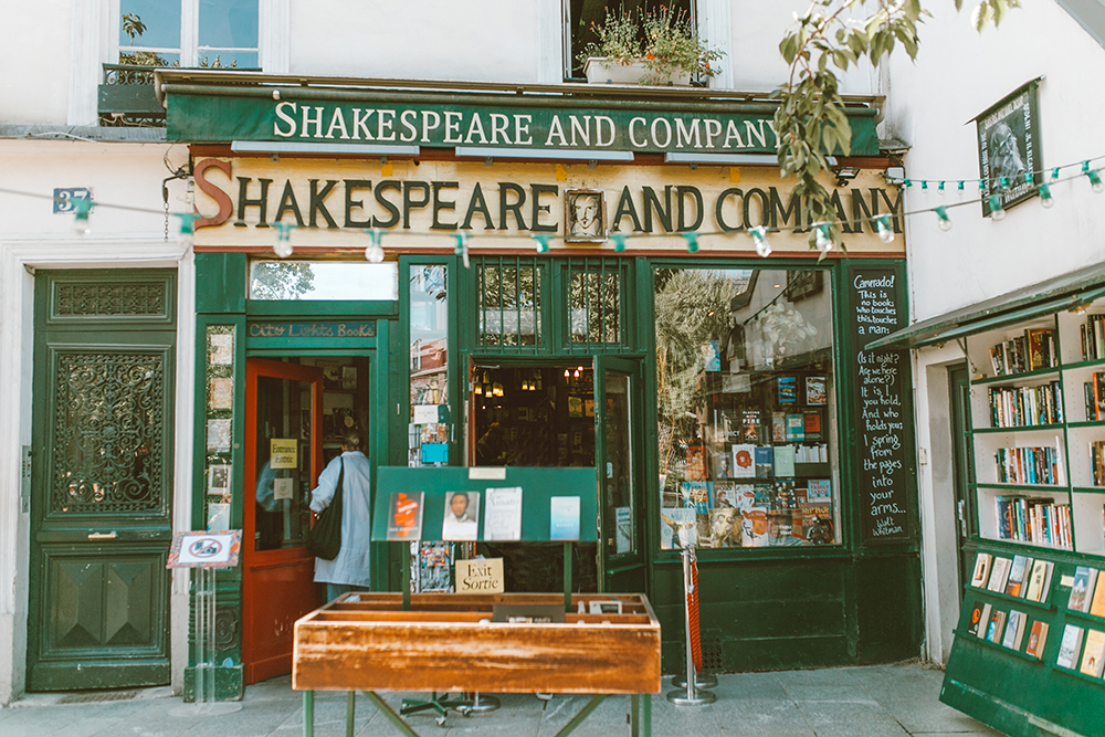 livvyland-blog-olivia-watson-princess-cruise-british-isles-shakespeare-and-company-paris-france-what-to-wear-pack-itinerary-1