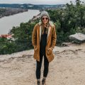 livvyland-blog-olivia-watson-austin-texas-fashion-lifestyle-blogger-patagonia-prarie-dawn-jacket-winter-hike-mount-bonnell-10