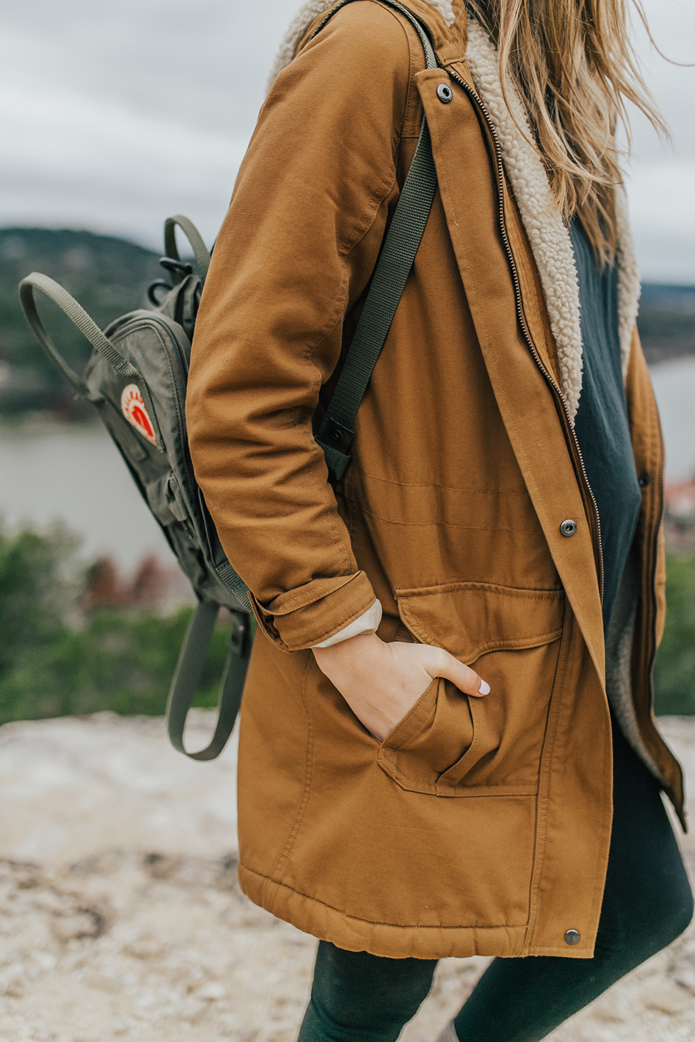 livvyland-blog-olivia-watson-austin-texas-fashion-lifestyle-blogger-patagonia-prarie-dawn-jacket-winter-hike-mount-bonnell-3