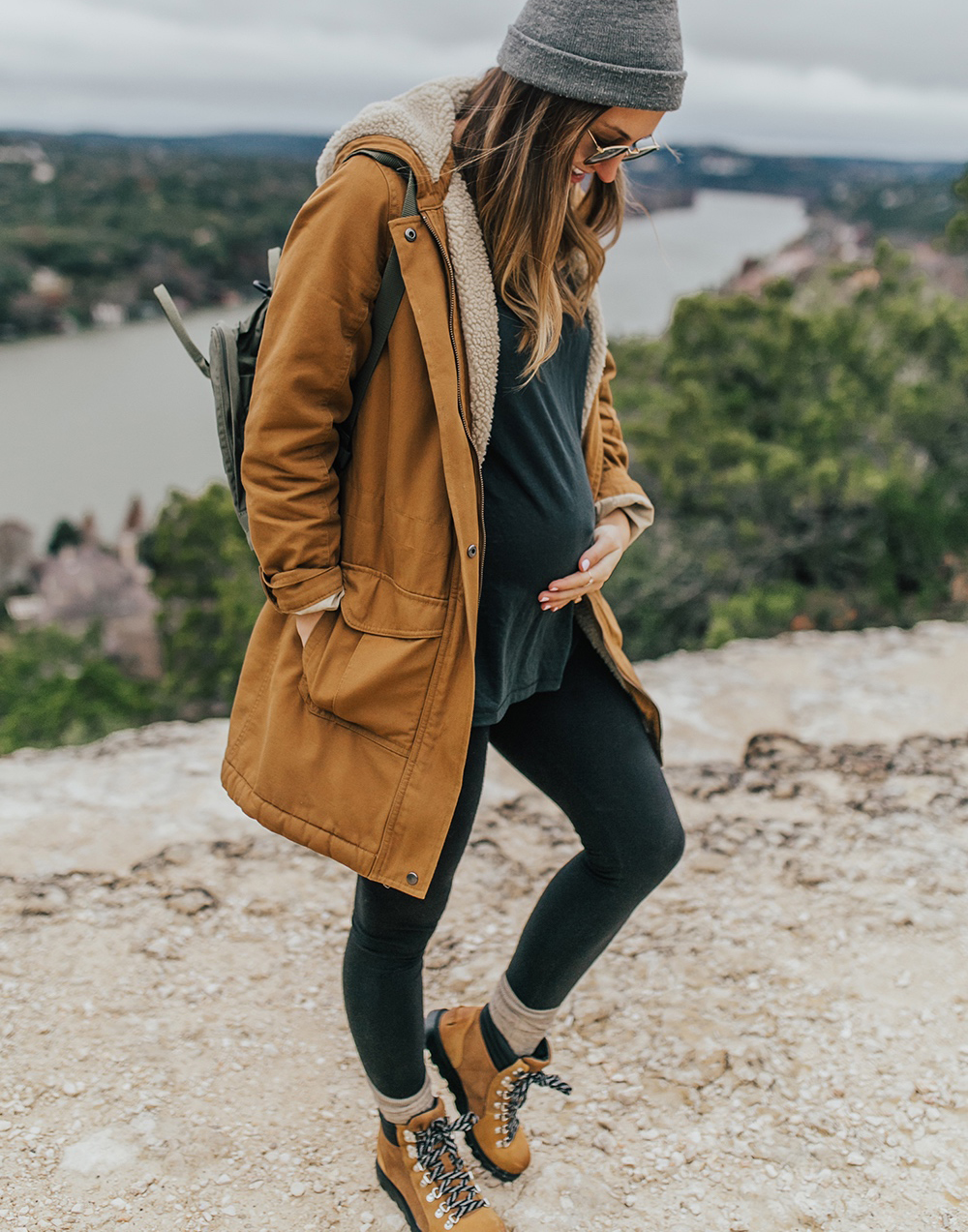 livvyland-blog-olivia-watson-austin-texas-fashion-lifestyle-blogger-patagonia-prarie-dawn-jacket-winter-hike-mount-bonnell-5
