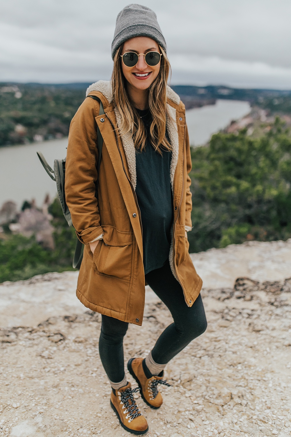 livvyland-blog-olivia-watson-austin-texas-fashion-lifestyle-blogger-patagonia-prarie-dawn-jacket-winter-hike-mount-bonnell-6