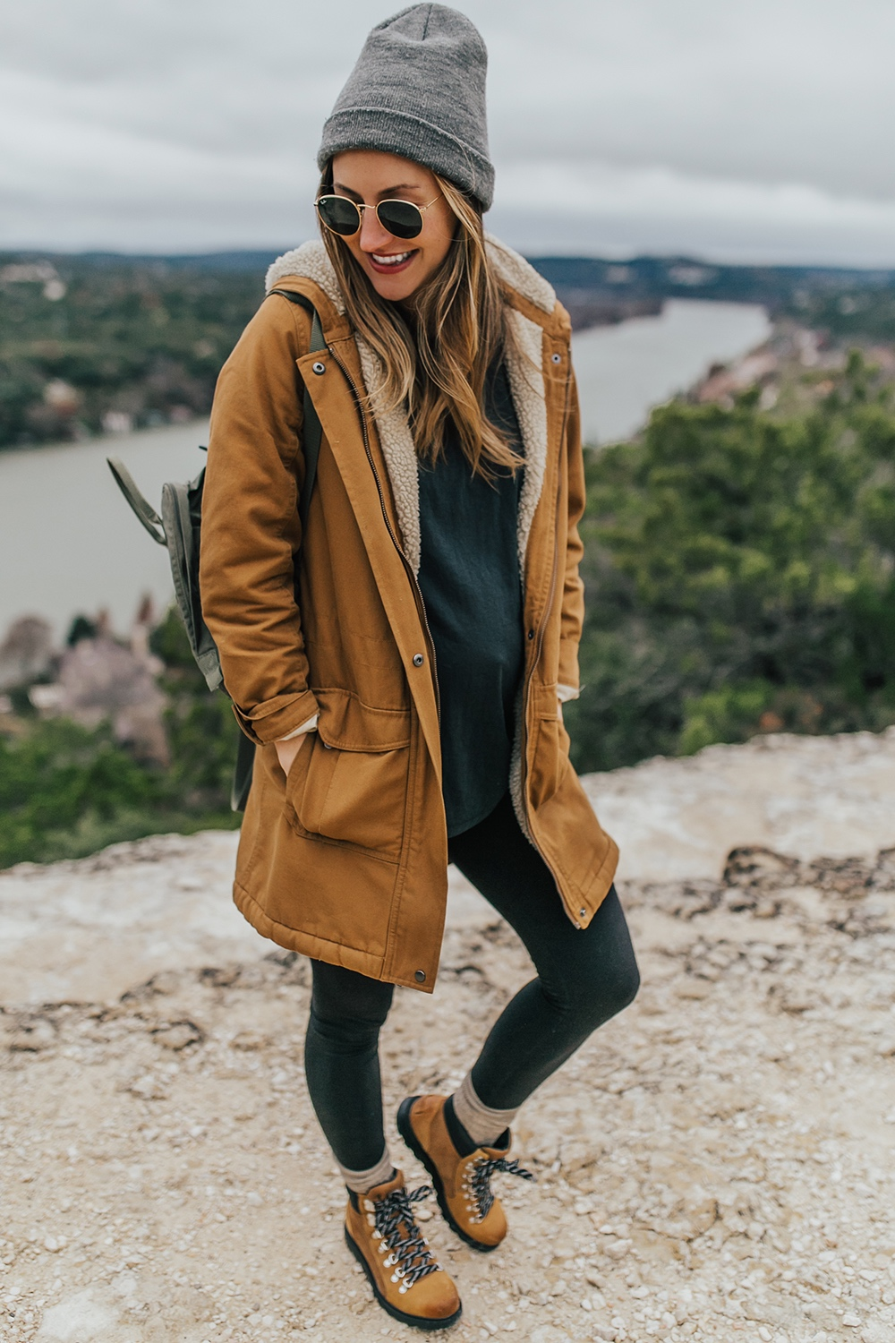 livvyland-blog-olivia-watson-austin-texas-fashion-lifestyle-blogger-patagonia-prarie-dawn-jacket-winter-hike-mount-bonnell-7