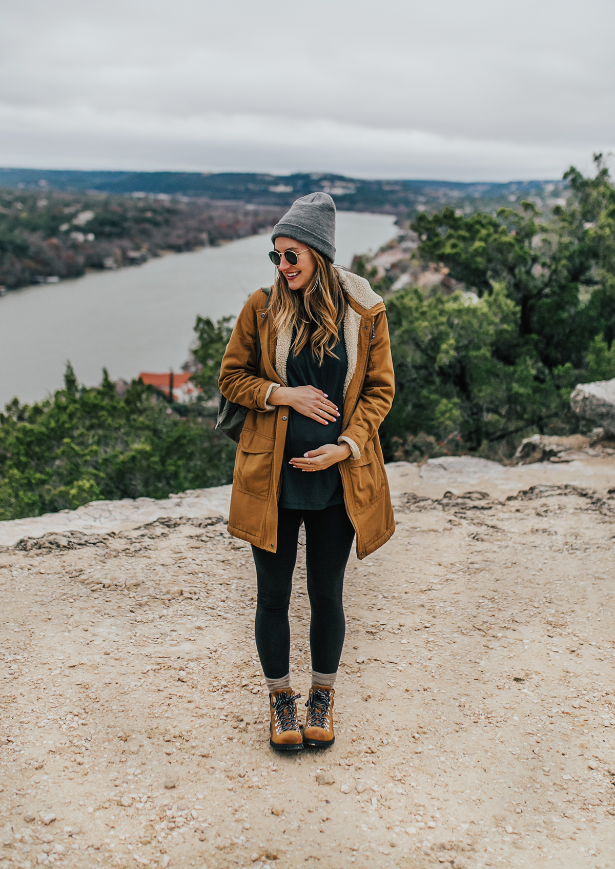 livvyland-blog-olivia-watson-austin-texas-fashion-lifestyle-blogger-patagonia-prarie-dawn-jacket-winter-hike-mount-bonnell-8