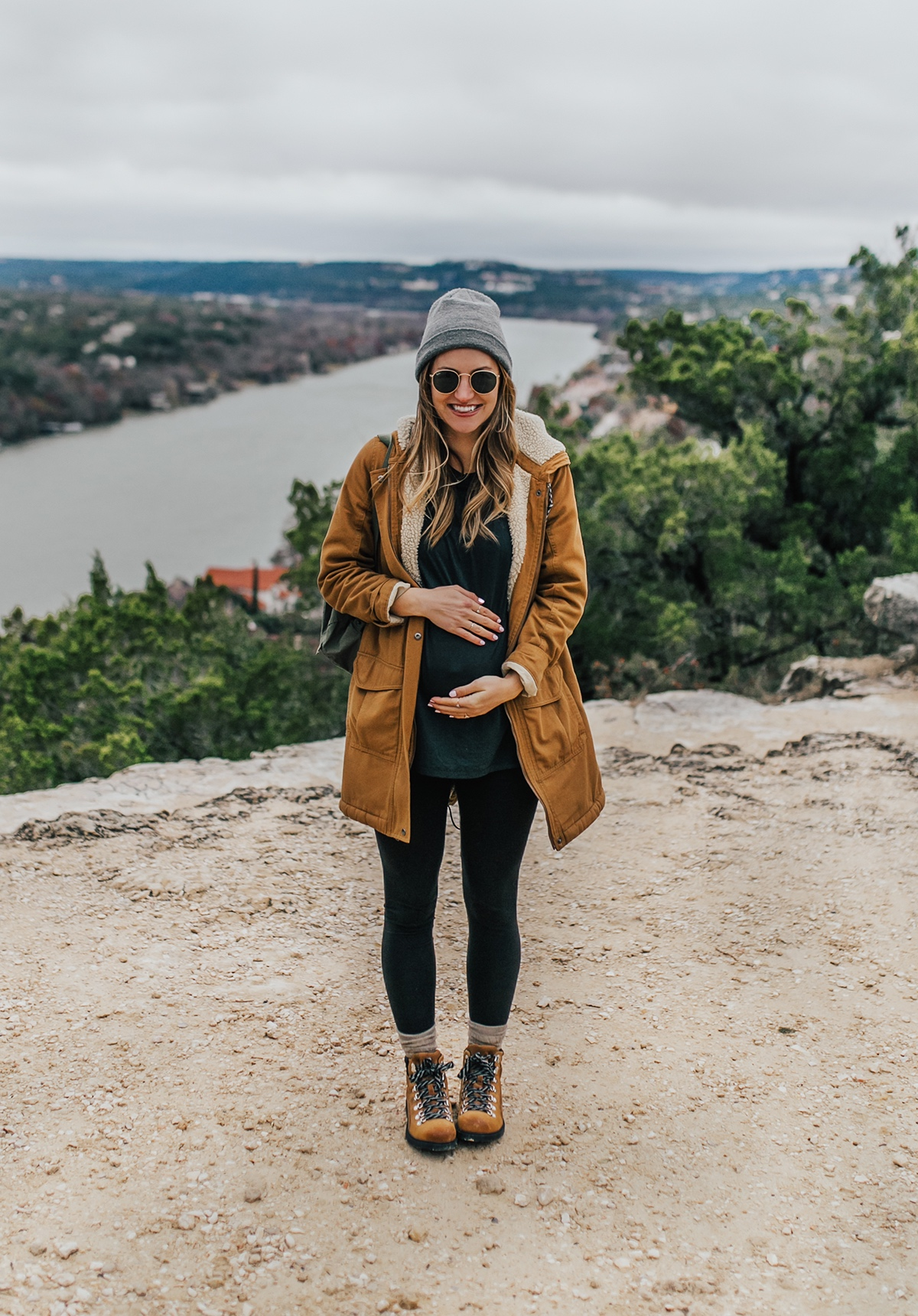 livvyland-blog-olivia-watson-austin-texas-fashion-lifestyle-blogger-patagonia-prarie-dawn-jacket-winter-hike-mount-bonnell-9