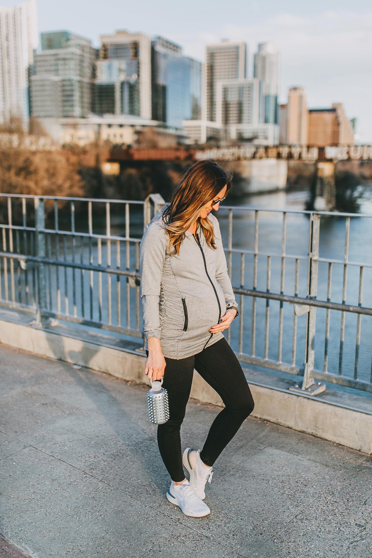 livvyland-blog-olivia-watson-austin-texas-lamar-bridge-maternity-pregnancy-workout-outfit-leggings-nordstrom-3