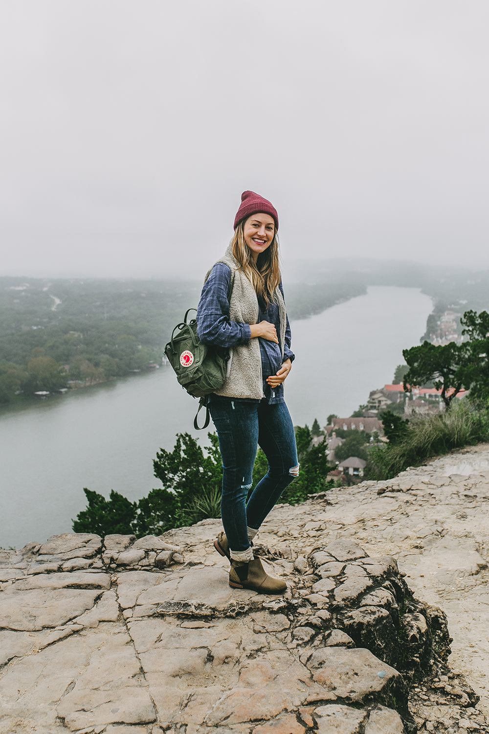 livvyland-blog-olivia-watson-austin-texas-lifestyle-blog-mount-bonnell-patagonia-los-gatos-vest-fjallraven-kanken-mini-backpack-deep-forest-green-hike-outfit-1