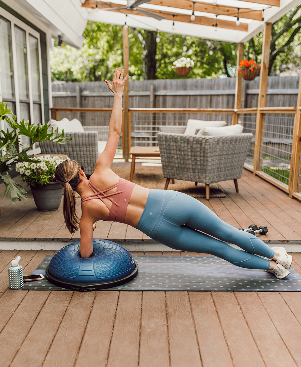 livvyland-blog-olivia-watson-austin-texas-lifestyle-blogger-lululemon-in-movement-leggings-long-lines-energy-bra-postpartum-workout-routine-2