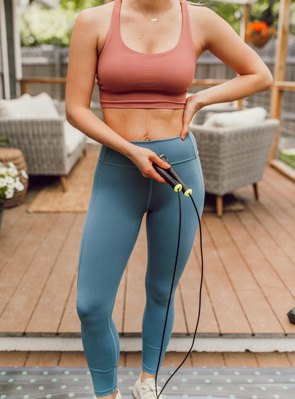 livvyland-blog-olivia-watson-austin-texas-lifestyle-blogger-lululemon-in-movement-leggings-long-lines-energy-bra-postpartum-workout-routine-3