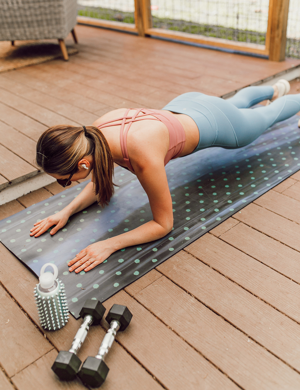 livvyland-blog-olivia-watson-austin-texas-lifestyle-blogger-lululemon-in-movement-leggings-long-lines-energy-bra-postpartum-workout-routine-5