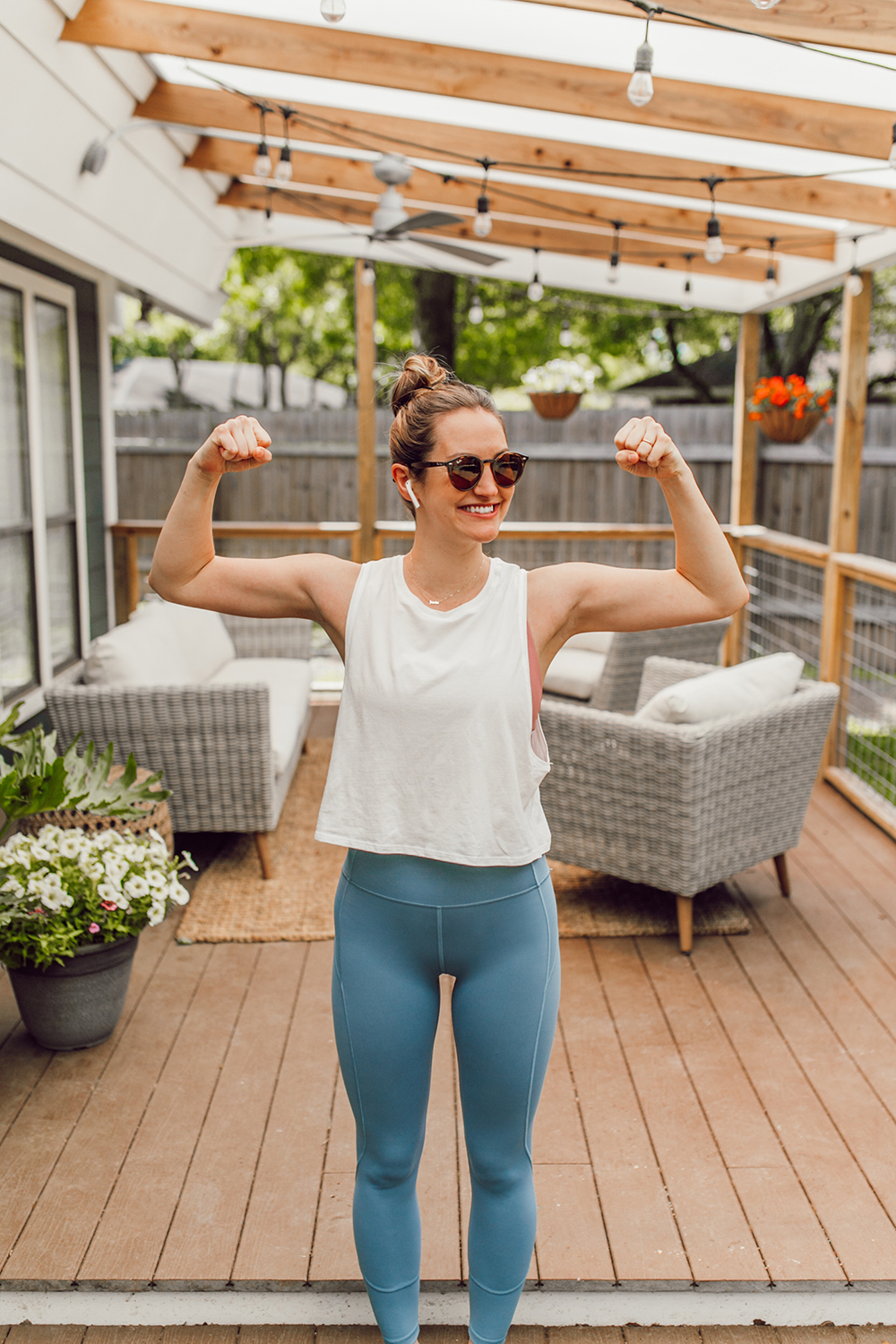 livvyland-blog-olivia-watson-austin-texas-lifestyle-blogger-lululemon-in-movement-leggings-long-lines-energy-bra-postpartum-workout-routine-9