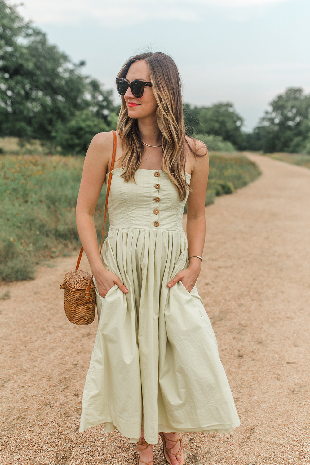 livvyland-blog-olivia-watson-austin-texas-style-blogger-trunk-club-free-people-lilah-pleated-midi-tube-dress-limeade-3