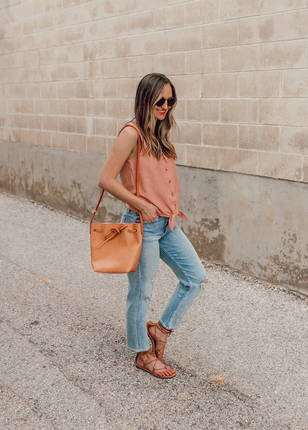 livvyland-blog-olivia-watson-austin-texas-style-blogger-trunk-club-madewell-pink-front-tie-top-mother-tomcat-ankle-straight-leg-jeans-5
