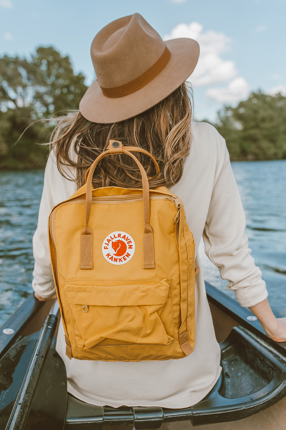 livvyland-blog-olivia-watson-canoe-lady-bird-lake-austin-texas-lifestyle-fashion-blogger-backcountry-fjallraven-kanen-ochre-mustard-yellow-backpack