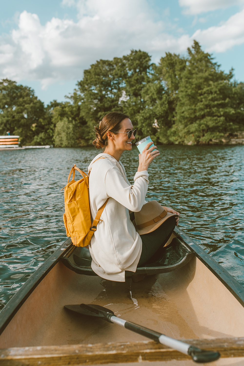 livvyland-blog-olivia-watson-canoe-lady-bird-lake-austin-texas-lifestyle-fashion-blogger-backcountry-patagonia-tunic-yeti-rambler-1
