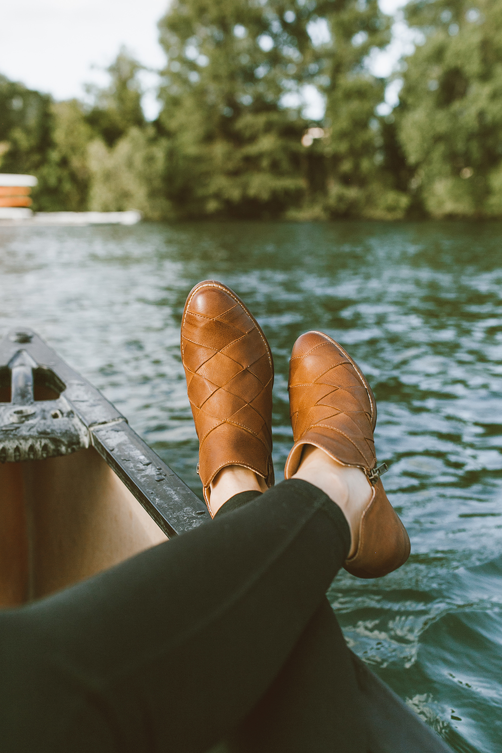 livvyland-blog-olivia-watson-canoe-lady-bird-lake-austin-texas-lifestyle-fashion-blogger-backcountry-seychelles-deep-sea-ankle-booties-2