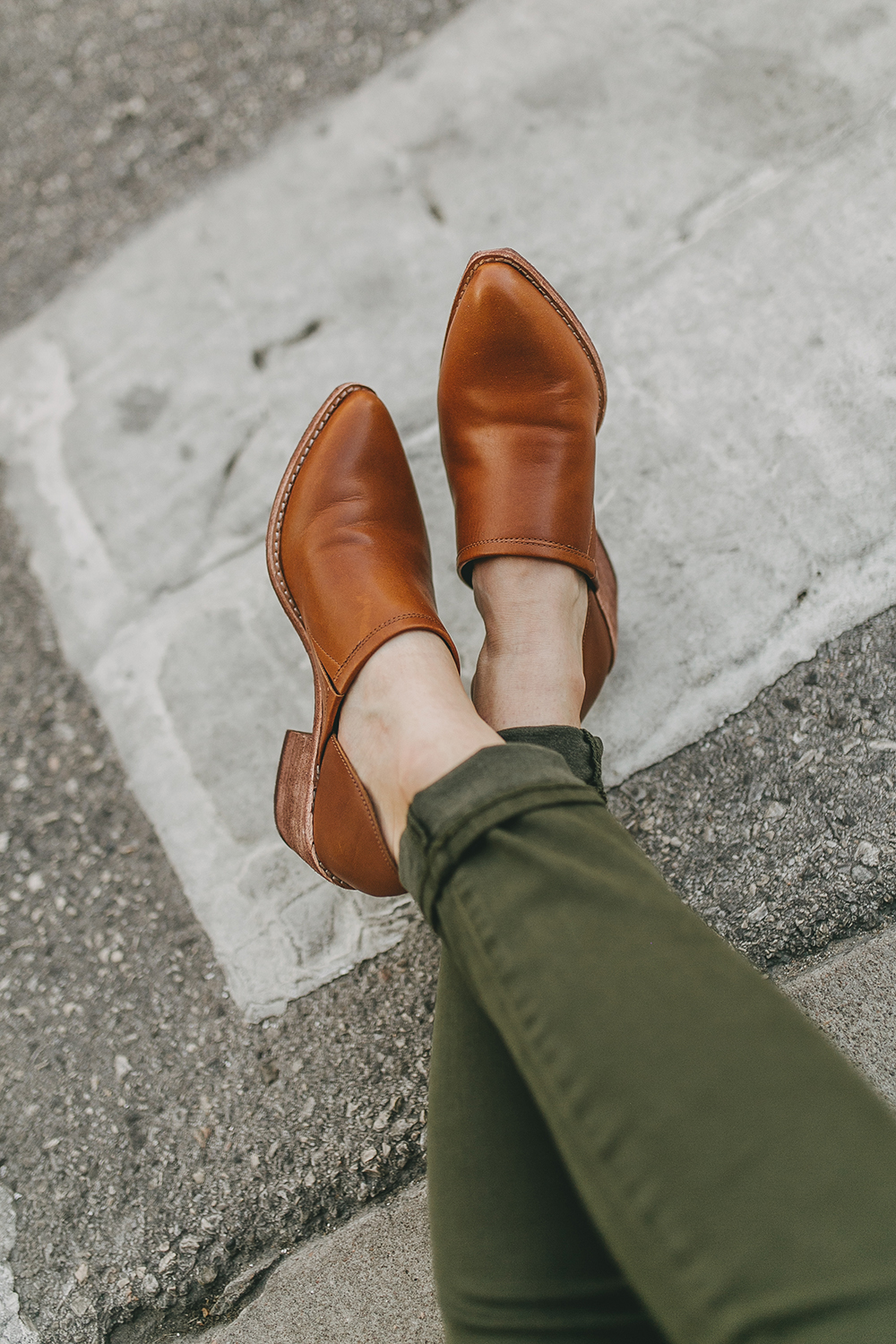 livvyland-blog-olivia-watson-austin-texas-fashion-lifestyle-blogger-madewell-olive-skinny-brady-lowcut-bootie-trunk-club-review-1