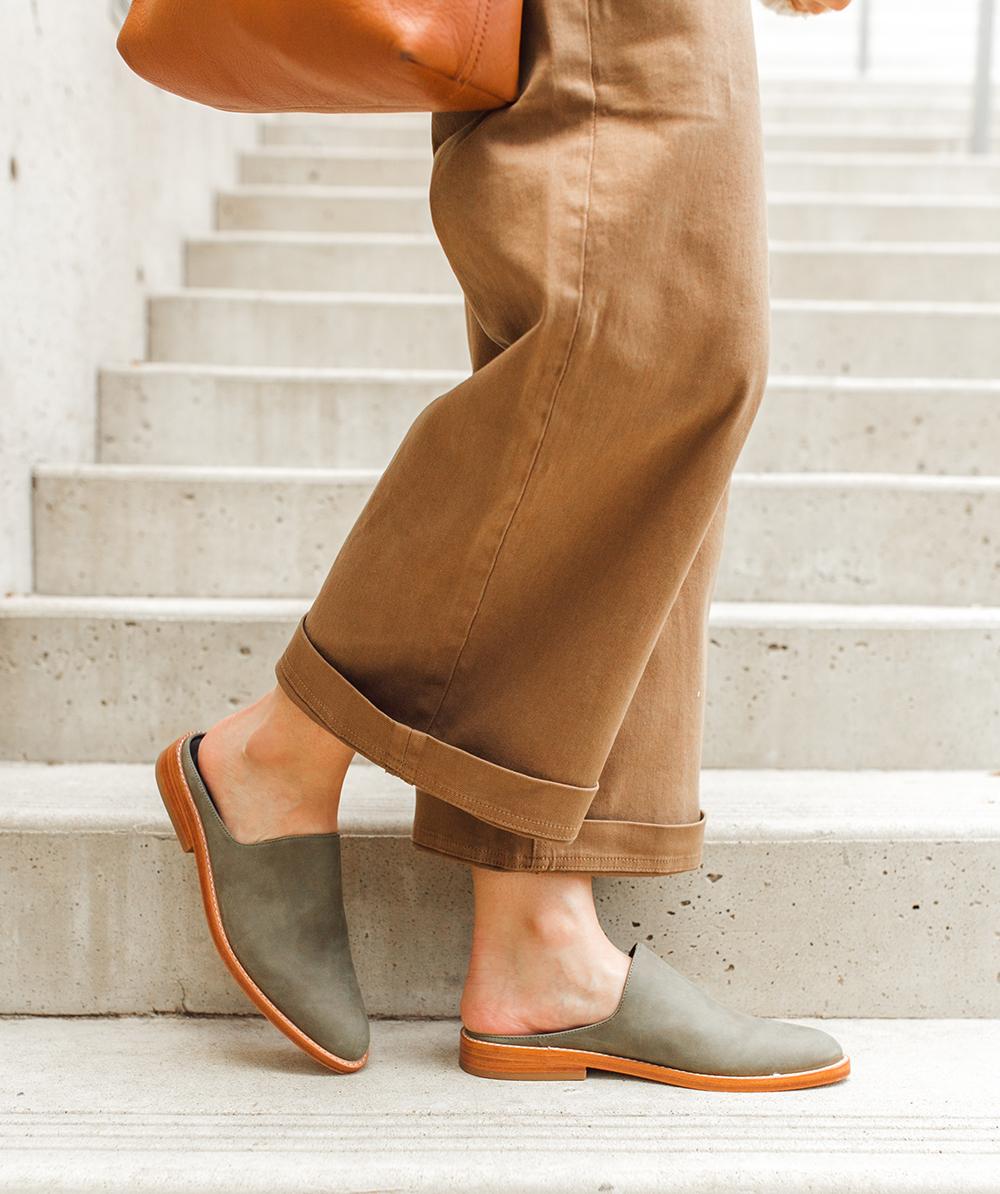livvyland-blog-olivia-watson-austin-texas-lifestyle-fashion-blogger-fortress-of-inca-adra-mule-olive-3