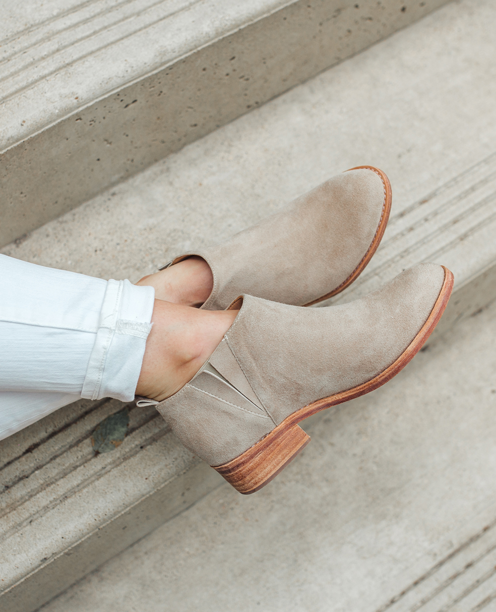 livvyland-blog-olivia-watson-austin-texas-lifestyle-fashion-blogger-fortress-of-inca-daniella-taupe-ankle-booties-3