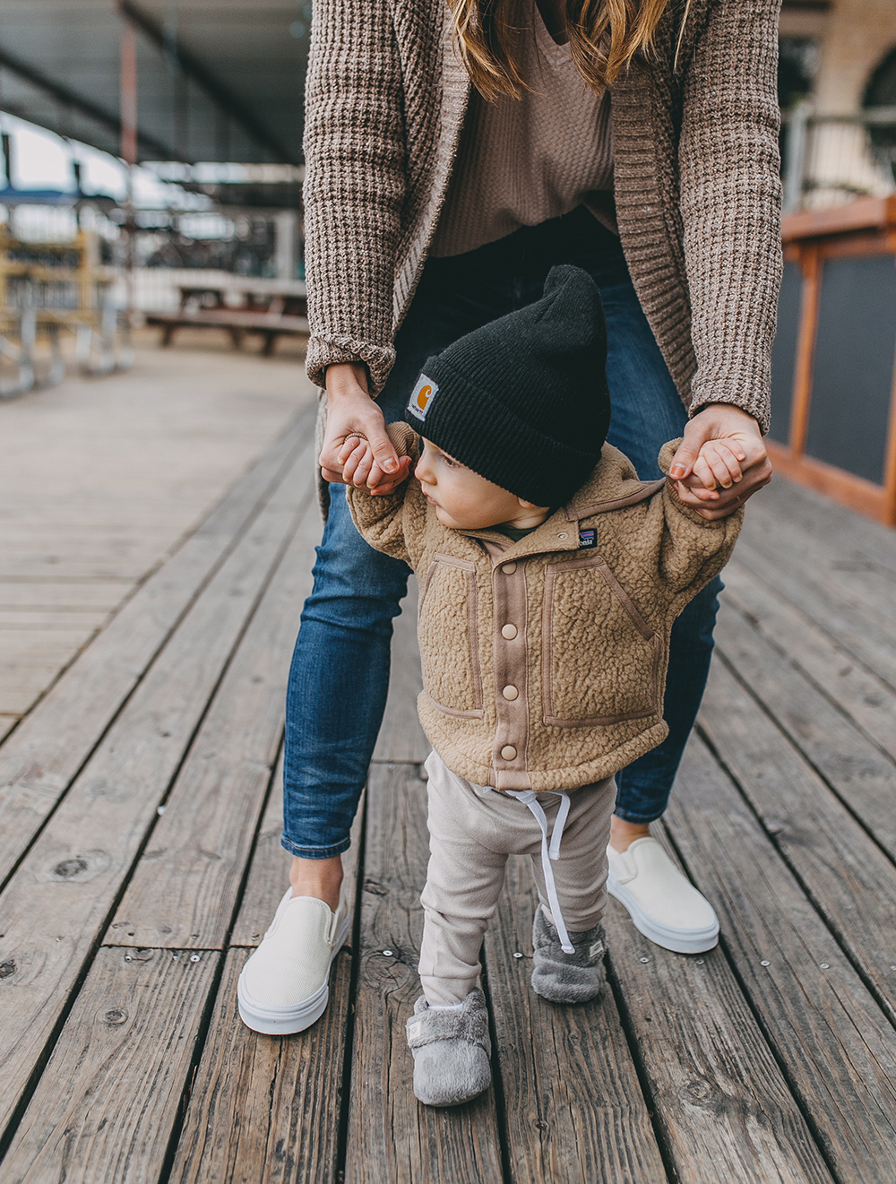 livvyland-blog-olivia-watson-austin-texas-lifestyle-motherhood-blogger-mozarts-coffee-patagonia-infant-retro-pile-jacket-sweater-1
