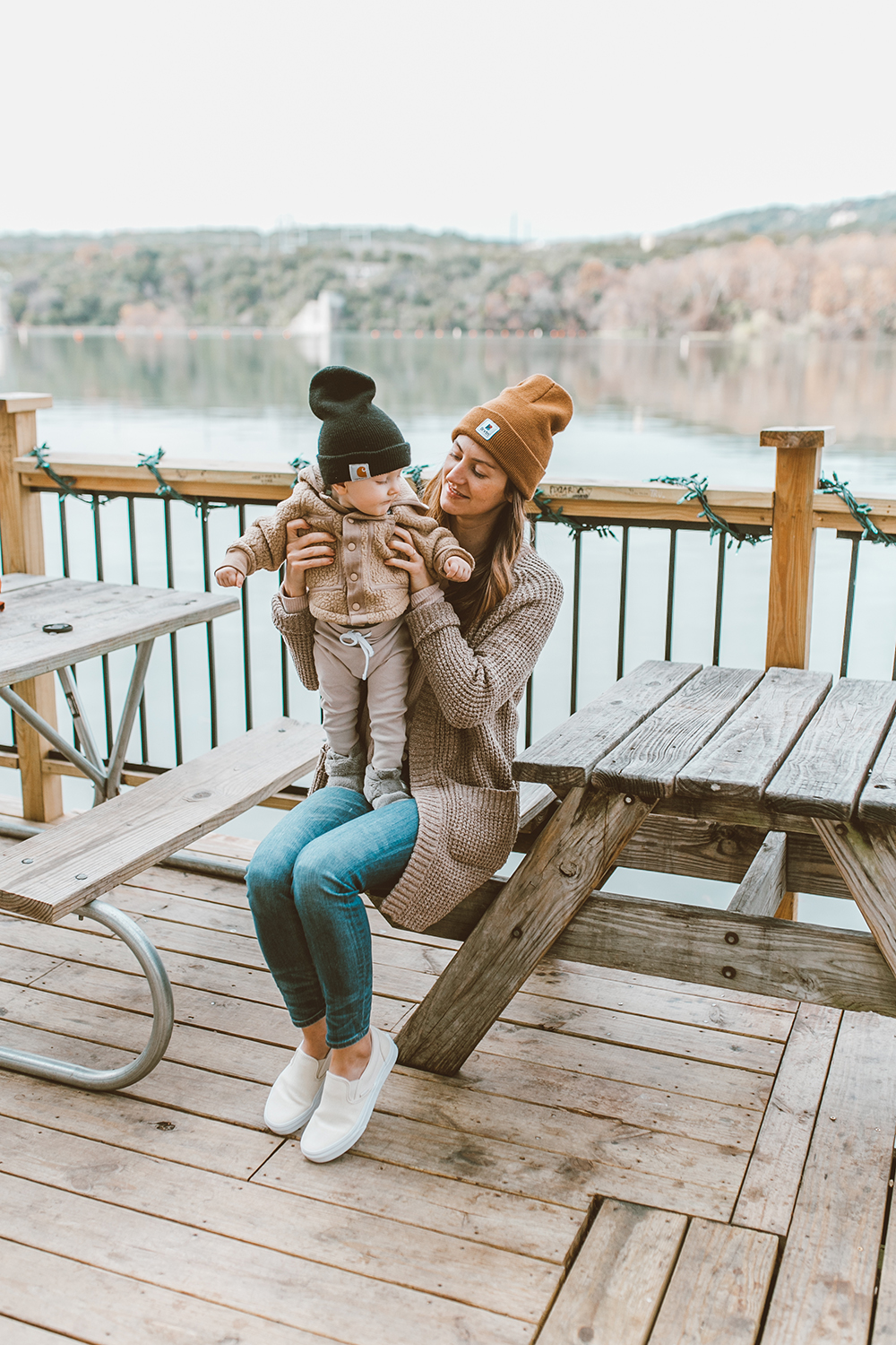 livvyland-blog-olivia-watson-austin-texas-lifestyle-motherhood-blogger-mozarts-coffee-patagonia-infant-retro-pile-jacket-sweater-3