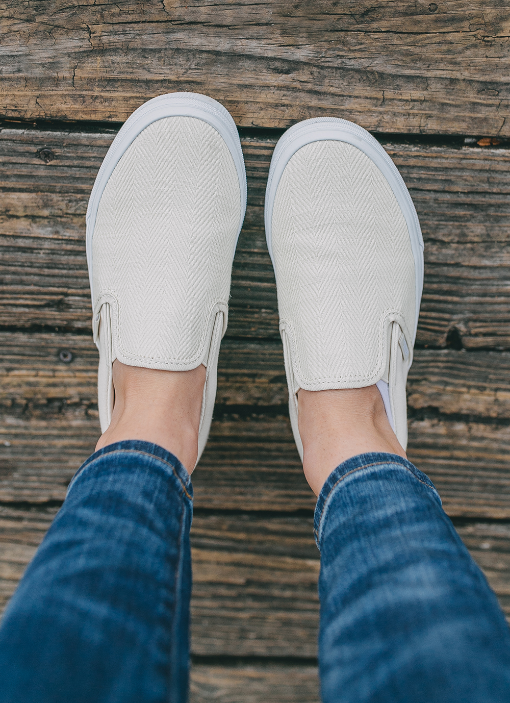 livvyland-blog-olivia-watson-austin-texas-lifestyle-motherhood-blogger-mozarts-coffee-vans-slip-on-white