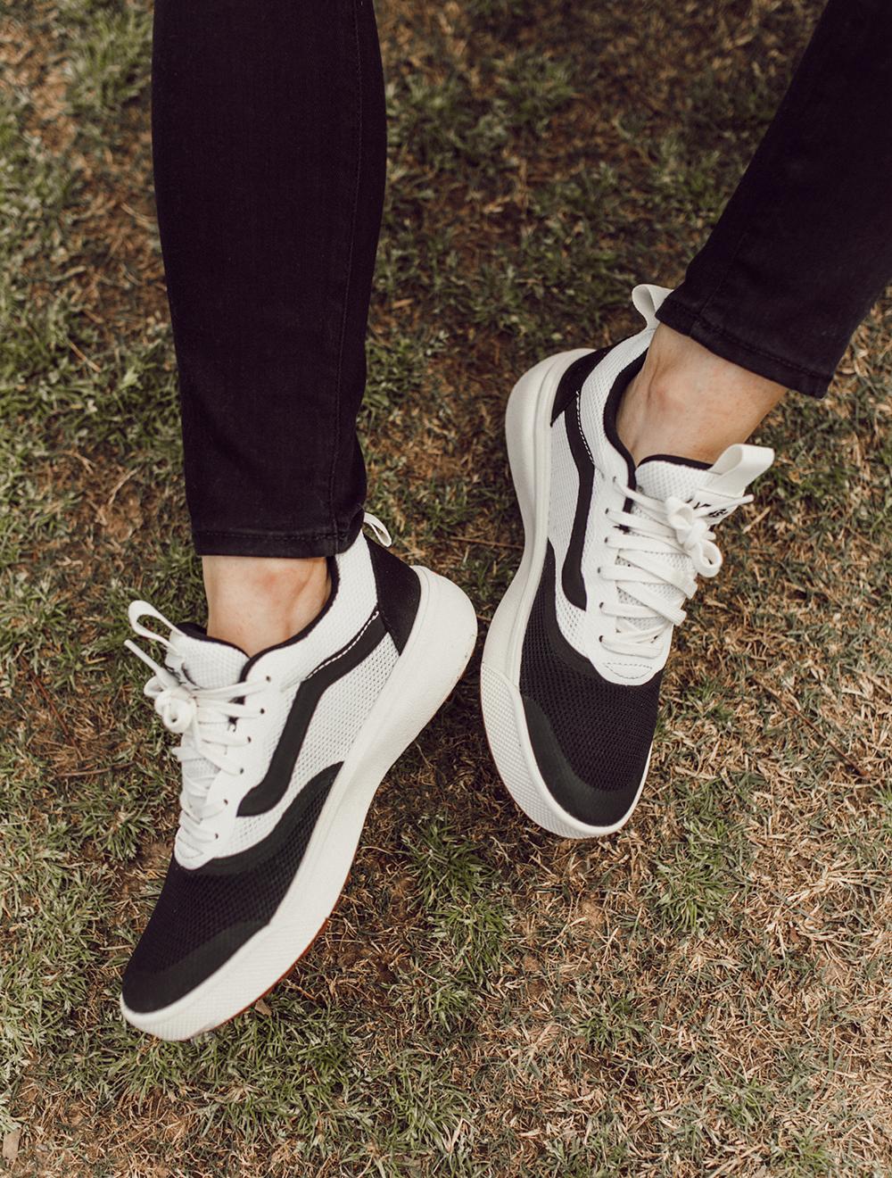 livvyland-blog-olivia-watson-austin-texas-lifestyle-fashion-blogger-zilker-park-vans-ultrarange-rapidweld-sneakers-1