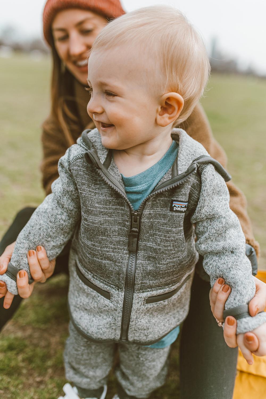livvyland-blog-olivia-watson-austin-texas-lifestyle-fashion-blogger-zilker-park-vans-ultrarange-rapidweld-sneakers-patagonia-better-sweater-baby-boy-grey