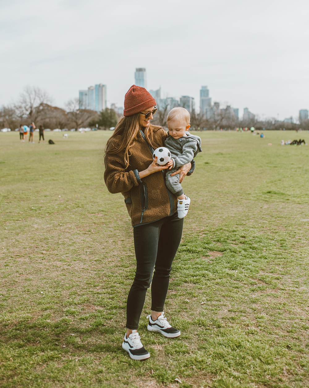 livvyland-blog-olivia-watson-austin-texas-lifestyle-fashion-blogger-zilker-park-vans-ultrarange-rapidweld-sneakers-patagonia-divided-sky-jacket-1
