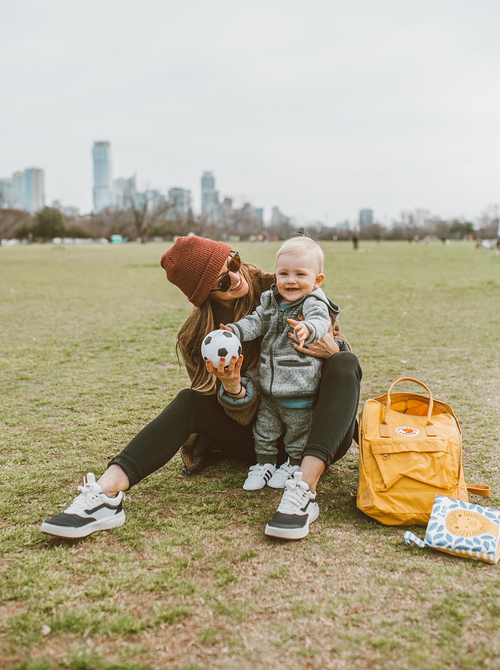 livvyland-blog-olivia-watson-austin-texas-lifestyle-fashion-blogger-zilker-park-vans-ultrarange-rapidweld-sneakers-patagonia-divided-sky-jacket-6
