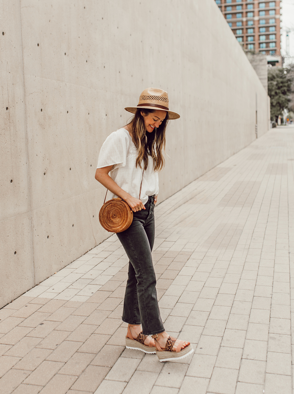 livvyland-blog-olivia-watson-austin-texas-fashion-style-blogger-crown-vintage-spring-peach-wedges-shoes-affordable-dsw-8