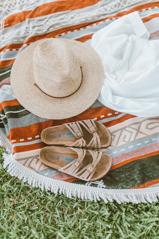 livvyland-blog-olivia-watson-lake-austin-texas-lifestyle-mom-blogger-maternity-bikini-patagonia-1
