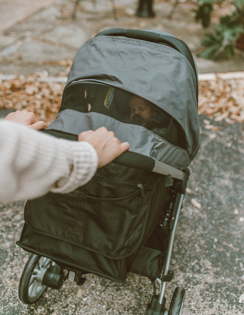 livvyland-blog-olivia-watson-austin-texas-lifestyle-mom-motherhood-blogger-britax-b-lively-travel-system-stroller-review-3