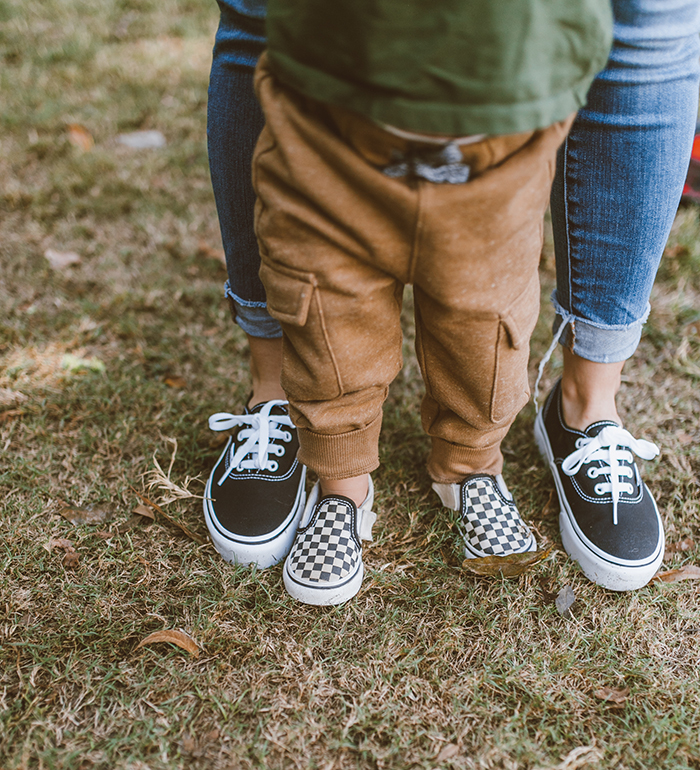 livvyland-blog-olivia-watson-austin-texas-zilker-park-fall-lifestyle-blogger-fashion-toddler-mom-matching-vans