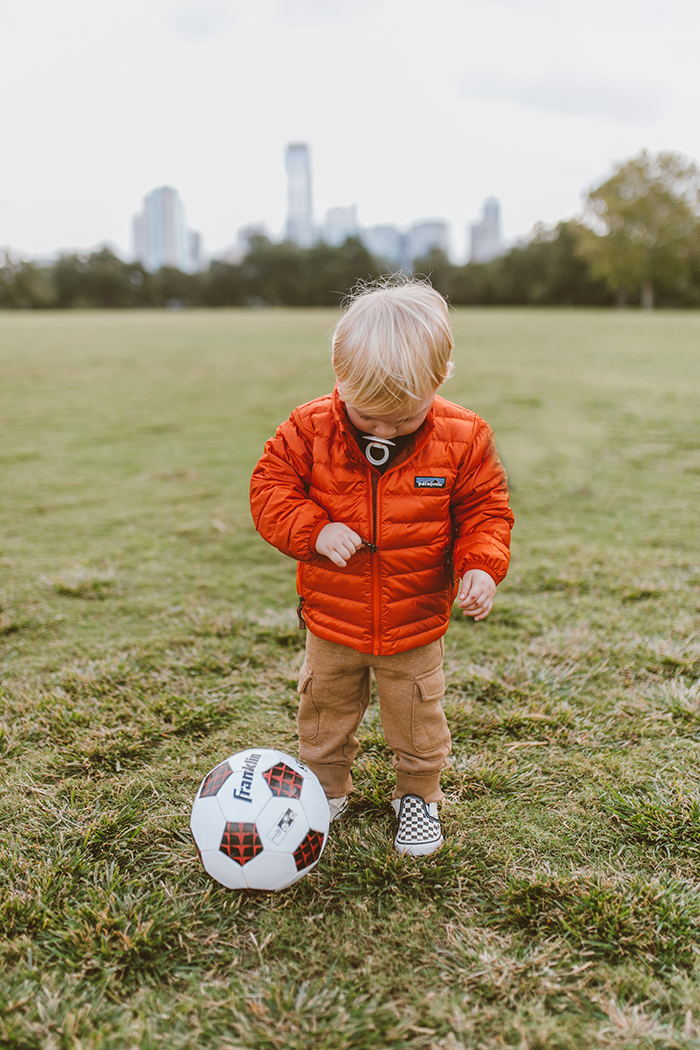 livvyland-blog-olivia-watson-austin-texas-zilker-park-fall-lifestyle-blogger-fashion-toddler-patagonia-puffer-jacket-red-1